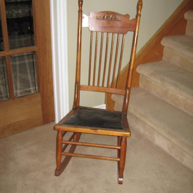 Antique Nursing Rocking chair - Best Antique Nursing Rocking Chair For Sale In Orangeville, Ontario