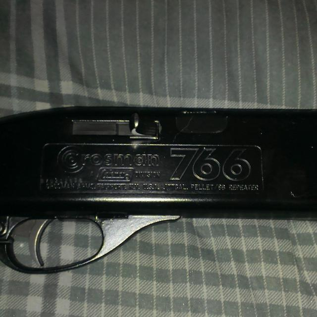 1979 Vintage Crosman 766 BB/Pellet Air Rifle