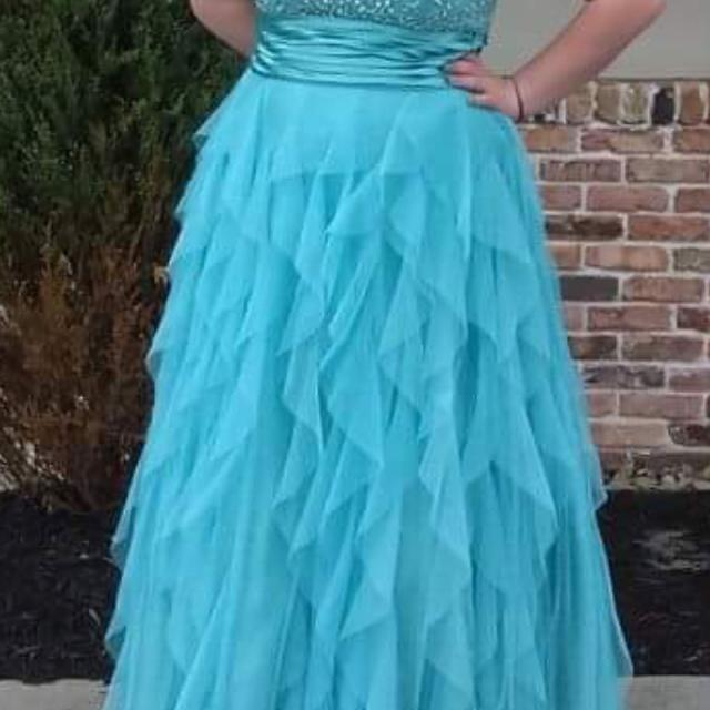 fefbb91bc4 Best Prom Dress Size 16 for sale in Erie