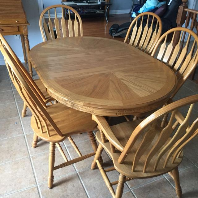 Solid Oak Dining Table Includes 6 Chairs 2 Captain Asking 14000 Need Gone