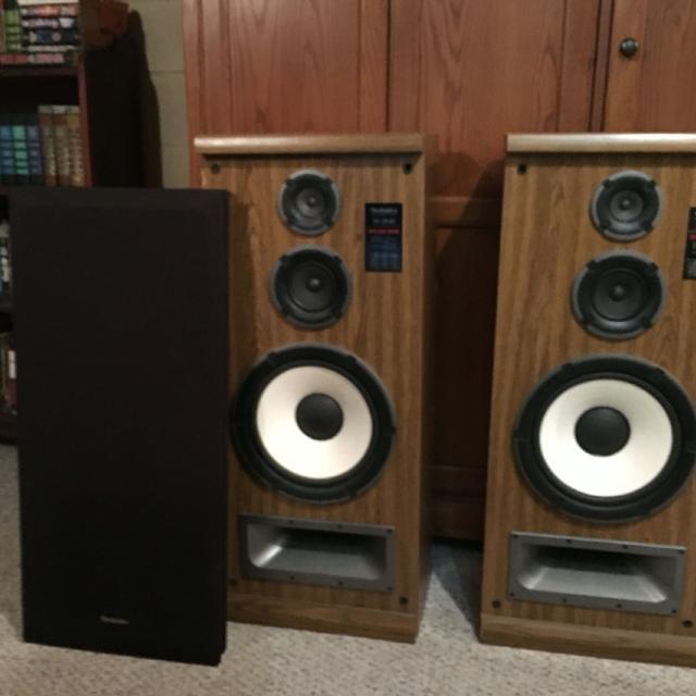 Technics SB-2840 speakers  Good working condition