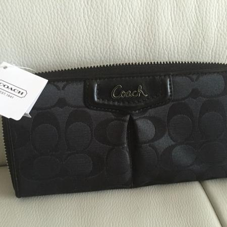 Authentic Coach wallet for sale  Canada