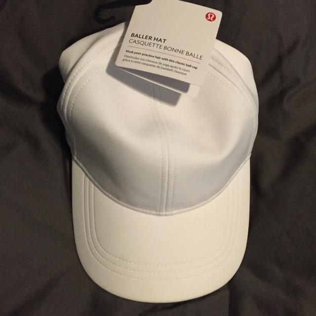 Best Lululemon Baller Hat. White Brand New With Tags Still Attached Didn t  Fit And Can t Return Just Want My Money Back. for sale in Williston 6a4d52ae53e