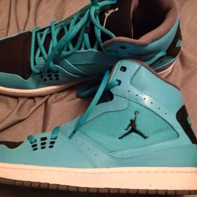 Michael Jordan Tennis Shoes In Like New Condition