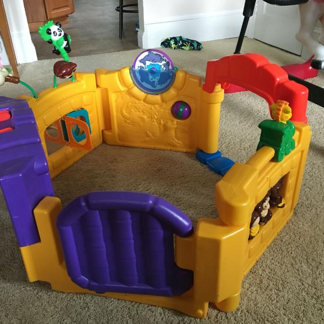 Find More Little Tikes Activity Zoo Play Yard For Sale At