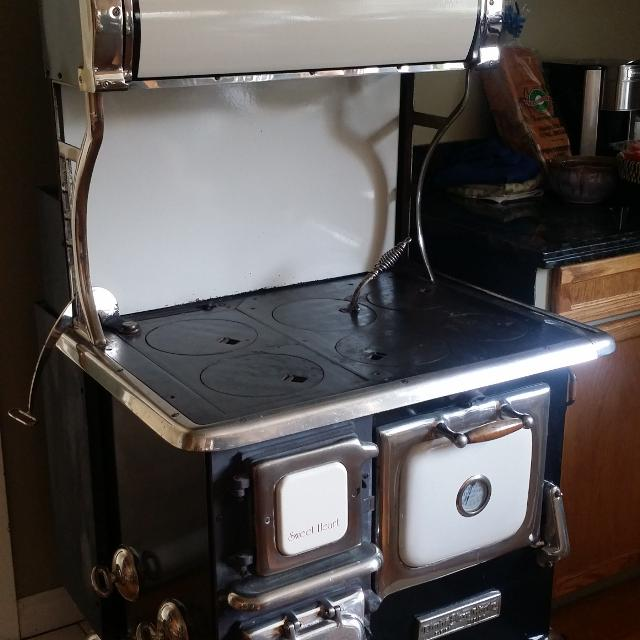 Elmira Stove Works Sweetheart Cookstove