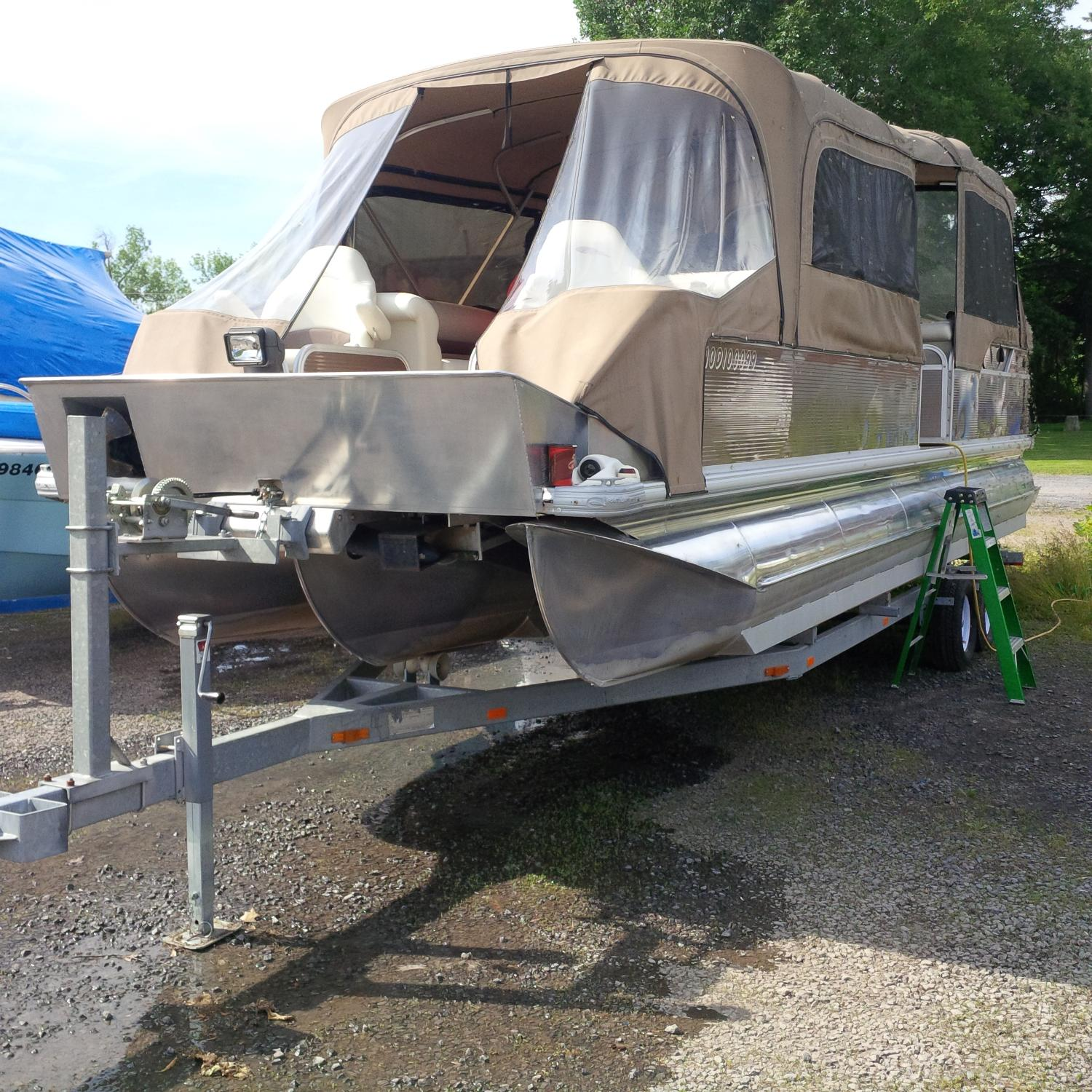 Southland 26ft pontoon boat with trailer for sale