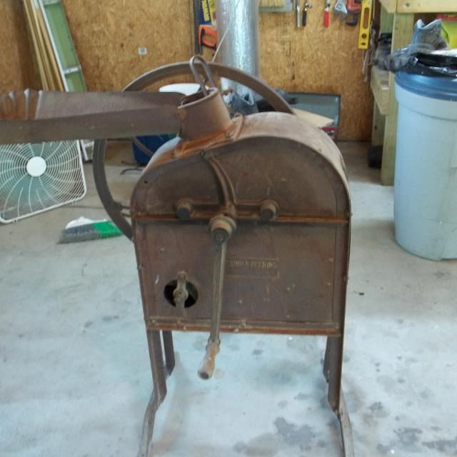 Best antique corn sheller for sale in peoria illinois for 2018 Craigslist peoria farm and garden
