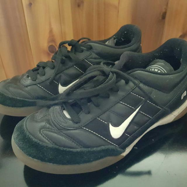 e3df9be4e33 Best Ladies Nike Indoor Soccer Shoes for sale in Markham