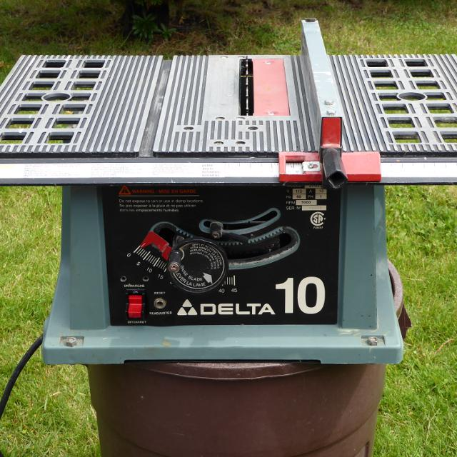 Delta 10 Portable Table Saw