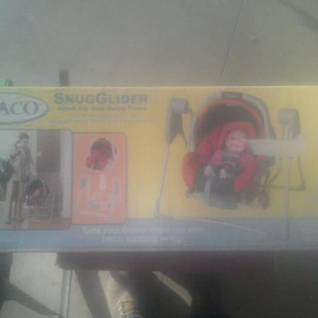 Graco Snug Glider Infant Car Seat Swing Frame New In Box