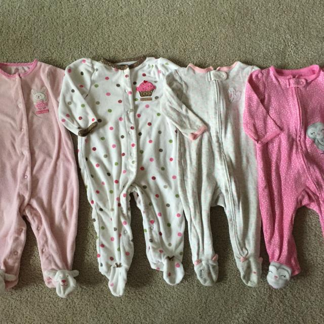 ced674004 Find more Carters Baby Girl Sleepers