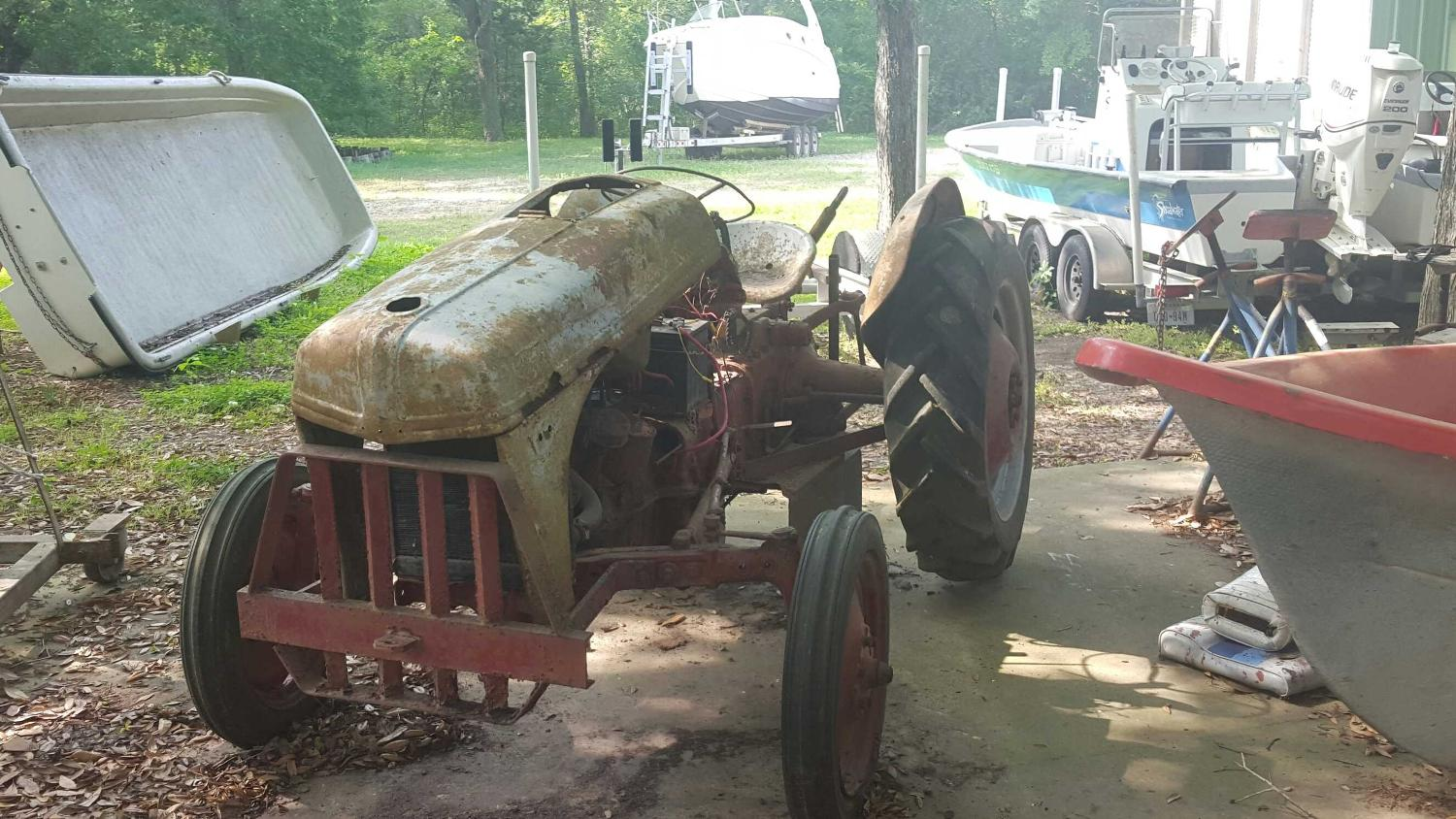 9n Ford Tractor >> Old 9n Ford Tractor