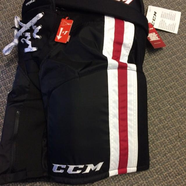 647cfd75a3c Find more Ccm Rbz 130 Le Jr. Ice Hockey Pants W stripe Jr Large for ...