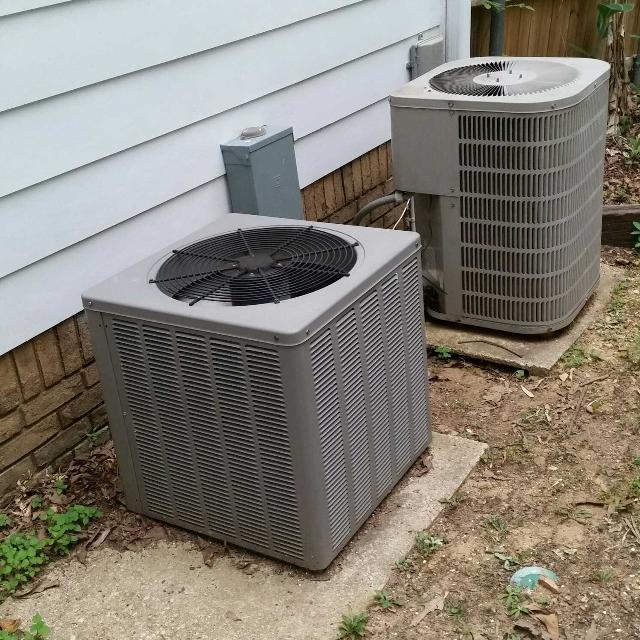 2 5 TON R22 Heat Pump Condensing Unit (Far Right)