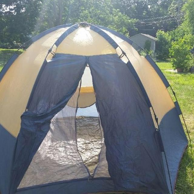 11 X 9 pop up dome tent by Greatland Outdoors