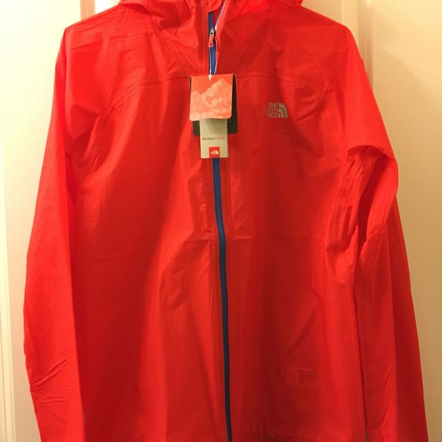 7d174b61f The North Face HyVent 2.5L mens hooded jacket size medium NWT
