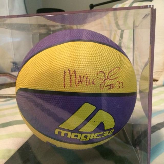 more photos 22a1e 4226f Magic Johnson autographed basketball in case