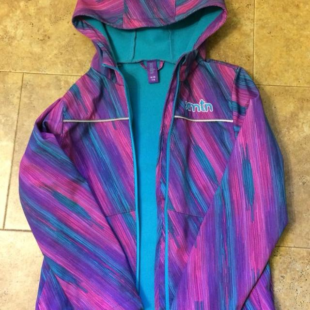 b60bc903d Find more Xmtn (costco) Girls Size 7 8 Jacket for sale at up to 90% off