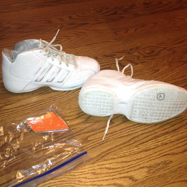 571b88c344c Best Adidas Shoes Size 5 1 2 With Color Changing Tabs. Like New!!!! for  sale in Grand Island
