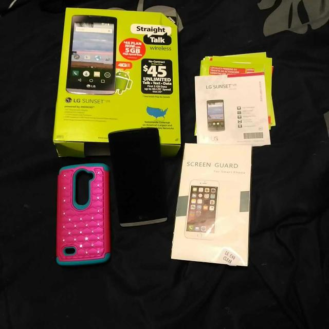 LG sunset straight talk phone with case/screenguard like new in box