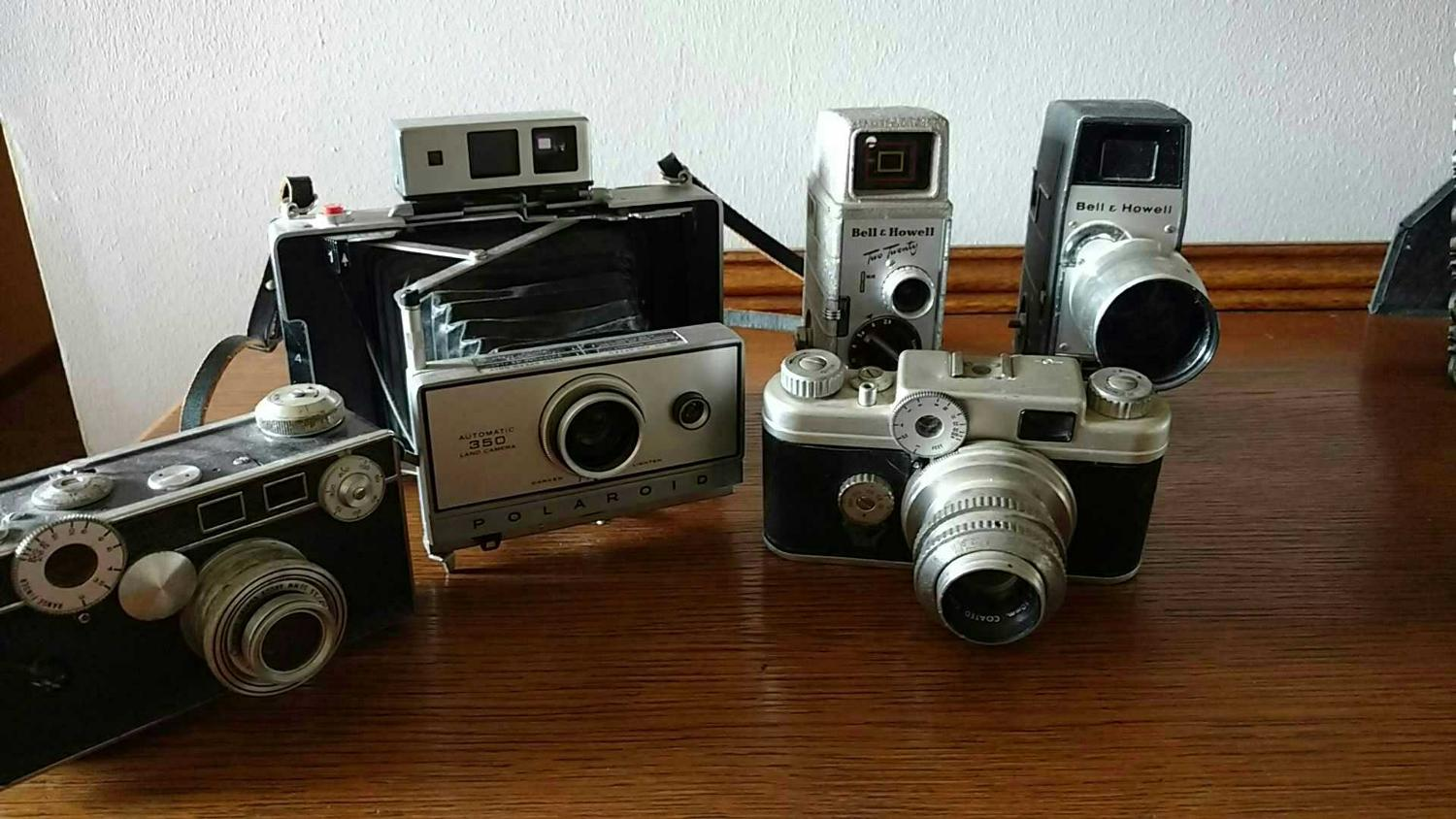best old cameras and movie cameras for sale in fishers indiana for 2019. Black Bedroom Furniture Sets. Home Design Ideas