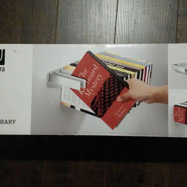 Umbra Flybrary Floating Bookshelf