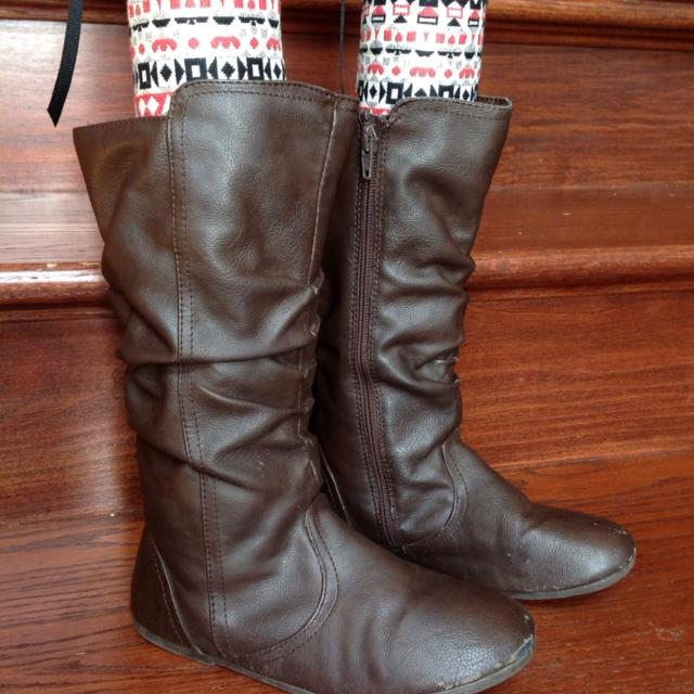 64fee40630b2 Find more Children s Place Brown Boots - Gently Loved But Lots Of ...