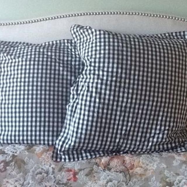 Best 2 Very Large Square Bed Pillows