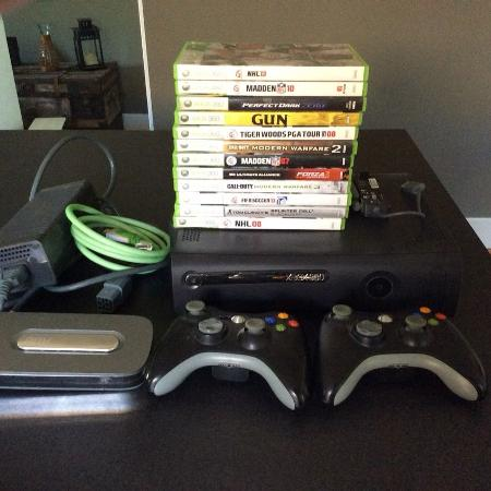 XBOX 360 - 120GB + CONTROLLERS + GAMES for sale  Canada