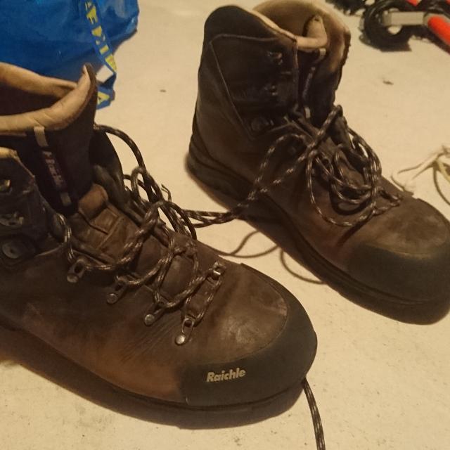 573bbca86bb Raichle Kootenay 5 hiking boots Size: 13