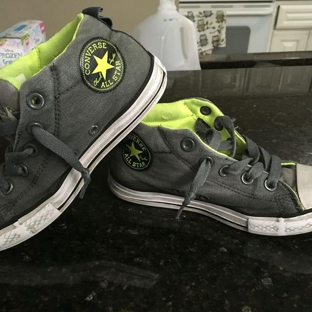 061f868a12a967 Find more Girls Or Boys Size 1-1 2 Converse All Stars No Tie Slip On ...