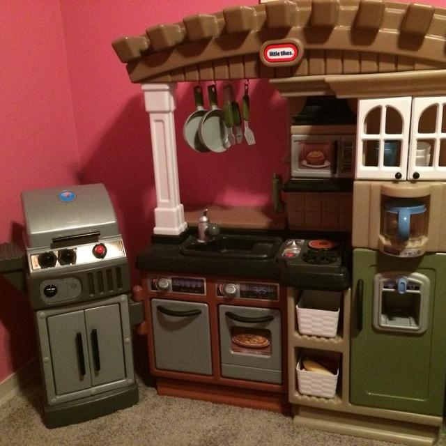 Little Tikes Play Kitchen With Attached