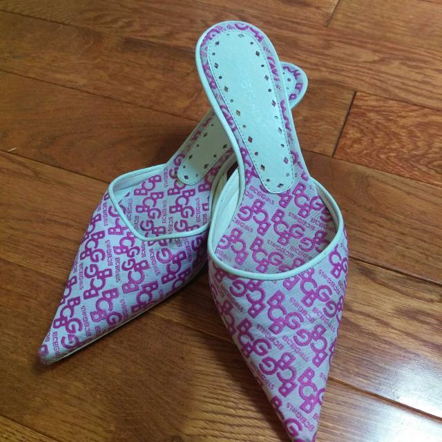 c320692197 Best Bcbg Girls Kitten Heel Shoes Size 6 Guc for sale in Clarington,  Ontario for 2019
