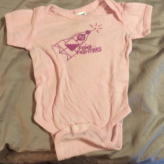 b9e486179 Best Final Price Reduction $3 - Baby Girl Foo Fighters Short-sleeved Onesie  (6 Months) for sale in Peoria, Illinois for 2019