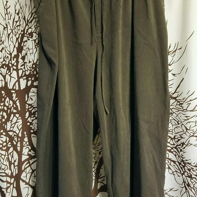 7ad17229cc3 Best White Stag Brand Green Elastic Waist Pants Women s Plus Size 22 24 for  sale in Lima