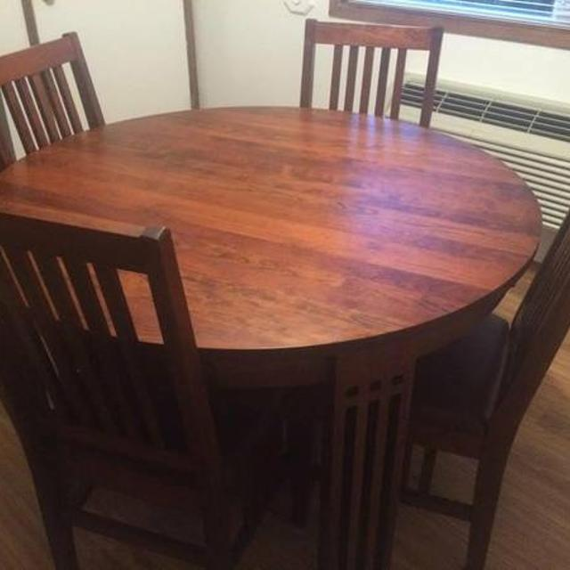 Cherry Wood Table With 4 Chairs 2 Captains And Leaves Made