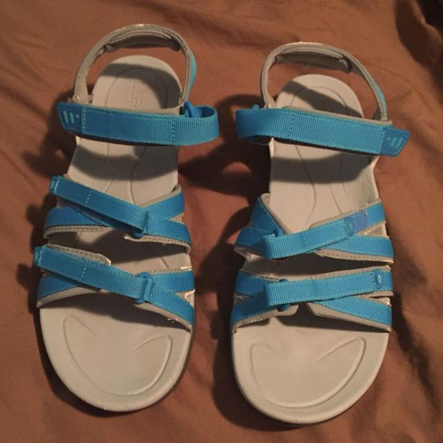 5e2ab22c0c7ce Find more L.l. Bean Boothbay Sandals for sale at up to 90% off