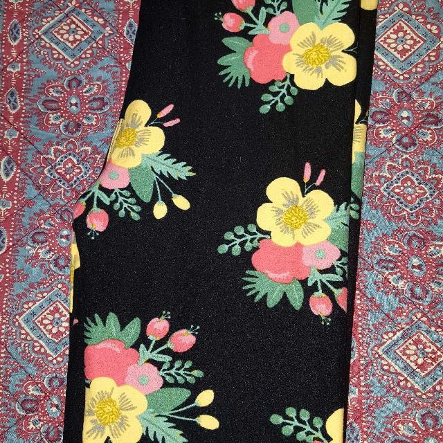 6403096ab6892 Find more Beautiful Lularoe Floral Leggings, Tween Size, Never Worn ...