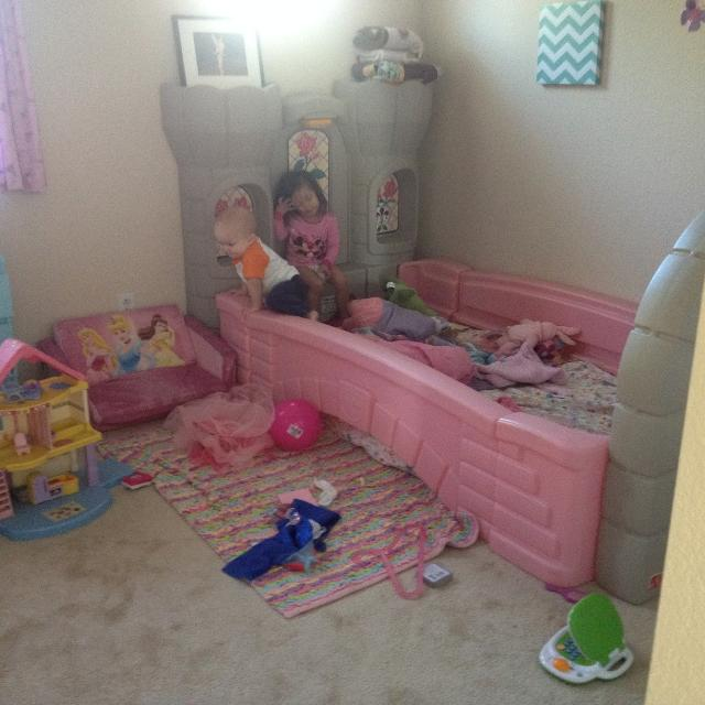 Little Tikes Step  Princess Bed