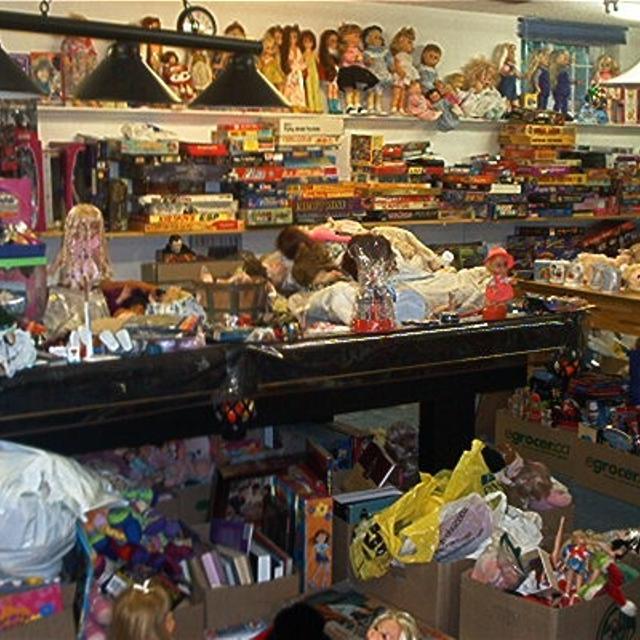 Best Ebay Store Closing Garage Sale For Sale In Oakville Ontario