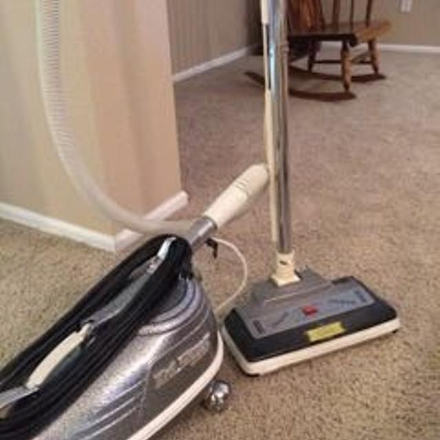 how to open a tristar vacuum