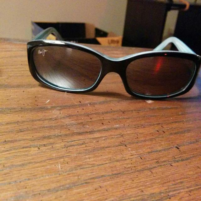 88b6ef9a427b4 Find more Maui Jims Mj219 Punchbowl Sunglasses for sale at up to 90% off