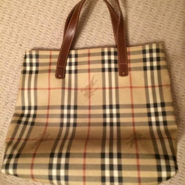 2e923762d8e2 Best Authentic Burberry Bag ( Also Selling The Matching Wallet Separately )  for sale in Uxbridge