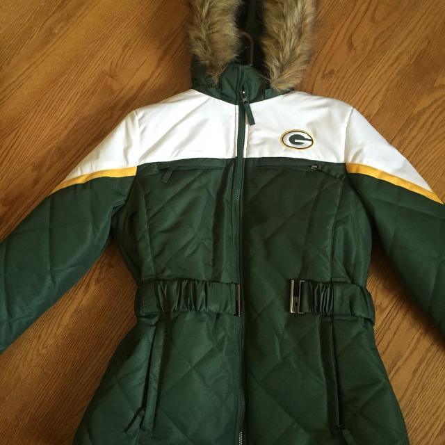 c97b7b20a Find more Greenbay Packers Winter Coat Women s Large for sale at up ...