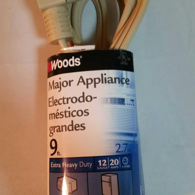 Find more Coleman Cable 0568 Woods 9 Feet 12 Gauge 20 Amp Extra ...