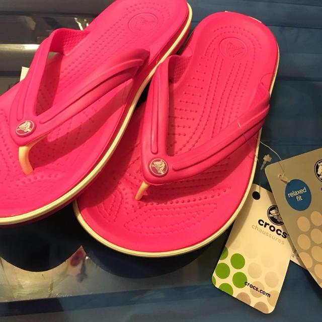 f3762d0ef Find more New Magenta Hot Pink Crocs Flips Flips W6 for sale at up ...