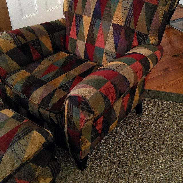 Best Alan White Accent Chair And Ottoman For Sale In Wilmington North Carolina For 2021