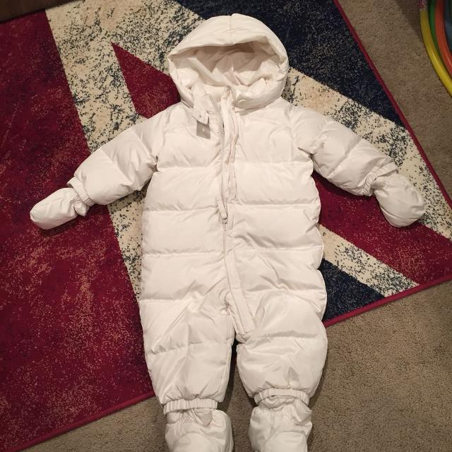 63b06bcbc76b Find more Baby Gap Down-filled Snowsuit (new) for sale at up to 90% off
