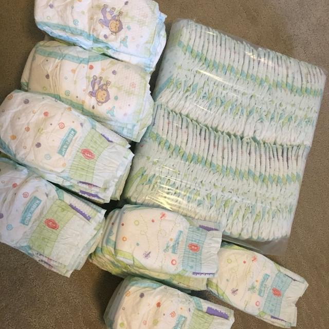 find more kirkland diapers size 3 for sale at up to 90 off victoria bc. Black Bedroom Furniture Sets. Home Design Ideas